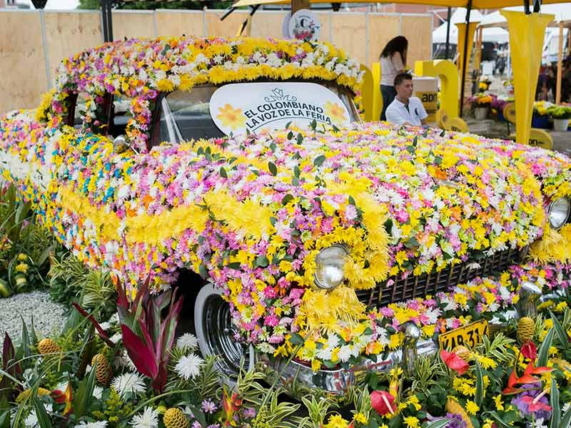Top-12-Colombian-festivals-you-must-go-flower-fair-medellin-travel-galeria-1