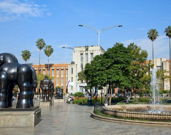 Carrrusel_0000_Plaza de las Esculturas de Botero 2